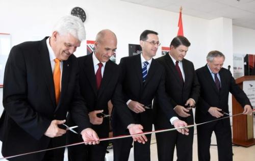 5,5 milliárdból bővített a bőr autóbelsőket gyártó Eagle Ottawa